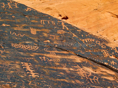 Petroglyphs-Mouse's Tank-Valley of Fire