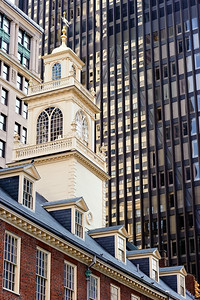 Old vs. NewBoston Custom House against a modern high rise.