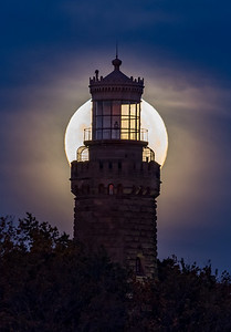 Full Moon Setting Behind Twin Lights Lighthouse 11/4/17