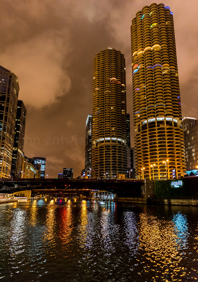 Cityscape on Chicago River 9/13/16