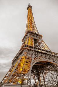 Eiffel Tower || Paris, France  Canon EOS 6D w/ EF24-105mm f/4L IS USM: 24mm @ ¹⁄₄₀ sec, f/4.5, ISO 1600