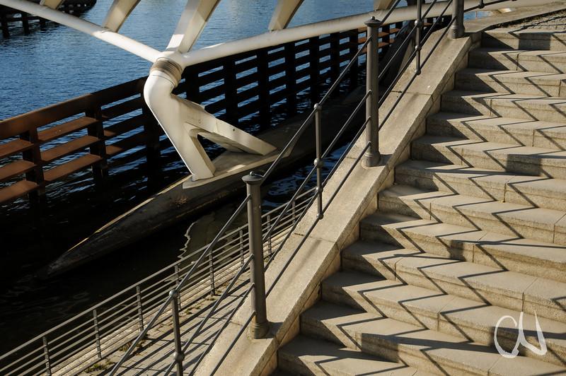 Treppe und Spree-Brücke