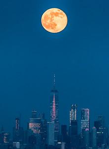 Full Moon Rising Over Freedom Tower, Manhattan 6/9/17