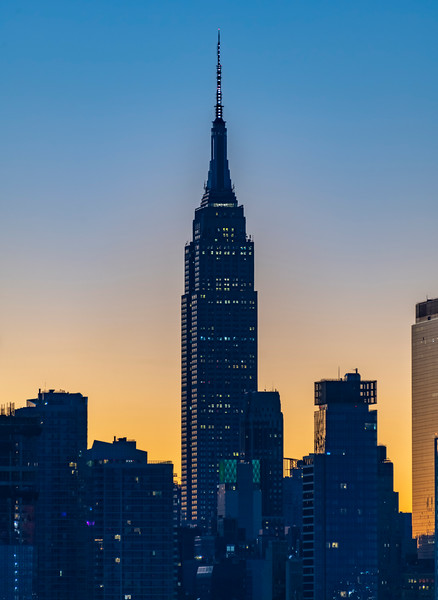 Predawn Colors Behind The Empire State Building In Manhattan 11/29/20