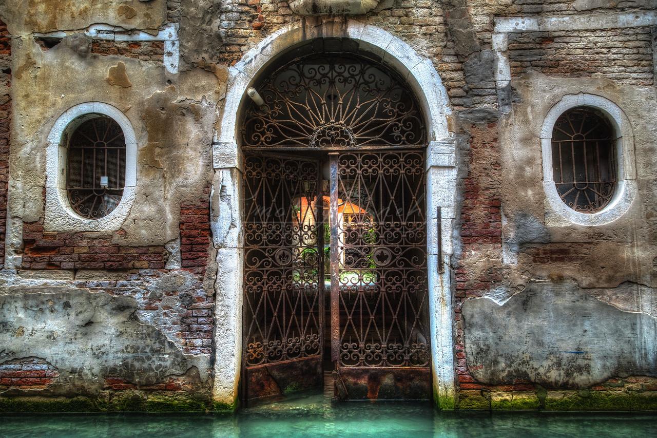 Venice boat garage