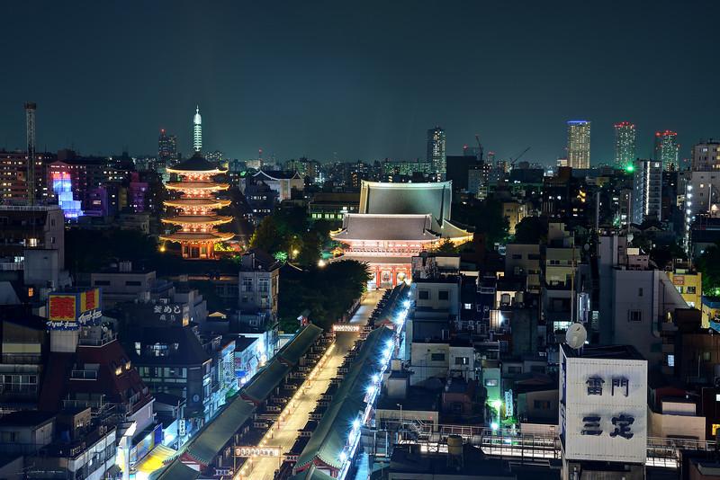 Sensoji Temple (浅草寺)