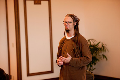 Shane Claiborne - Jesus Loves the Poor