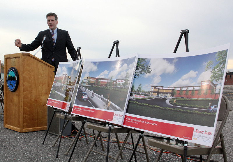 Jay Ash, State Housing and Economic Develolment Secretary, announcing a grant for infrastructure improvements related to the new Market Basket on Federal Street in Lynn, site of the old General Electric building. Photo by Owen O'Rourke
