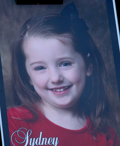 A vigil for drowning victim Sydney Vinci at Lynnfield Middle school Thursday July 7, 2011. Item Photo/ Reba M. Saldanha