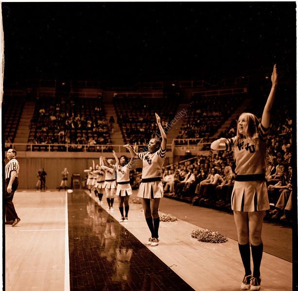 ARa2954-cheerleaders 5