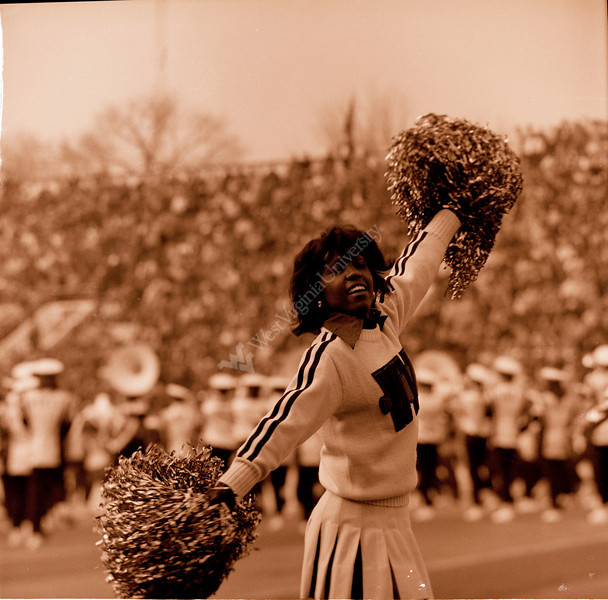 ARa3119-cheerleaders 8