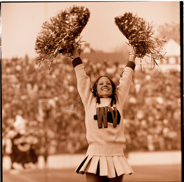 ARa3117-cheerleaders 6