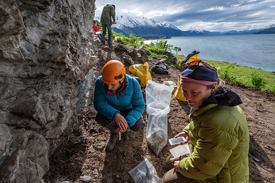 Dr Jamie Wood talks with feature writer Kate Evans as the field team search for coprolites on a Manaaki Whenua field trip.  Funded by the Marsden Fund.  Team headed by Dr Janet Wilmshurst, Palaeoecology Lab Leader from the Ecosystems & Global Change team.