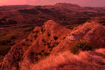 Sunrise from Te Mata Peak in Hawke's Bay.  Image by Brad White for Manaaki Whenua