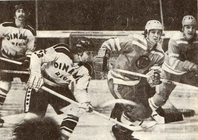 Валерий Пономарев и Сергей Стариков в обороне