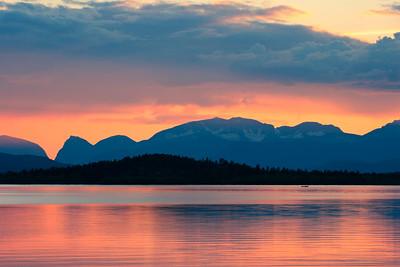 Sunset at lake Ladtjojaure
