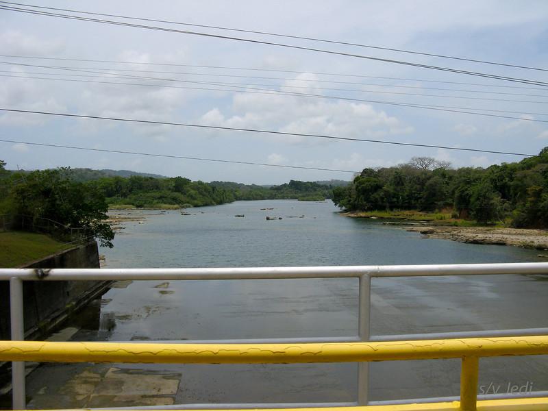 IMG_1129.JPG<br /> Strolling along the Rio Chagres.<br /> Gatun dam