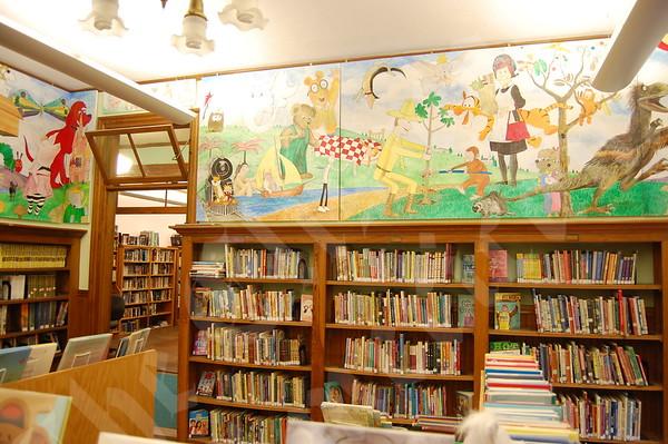 Steuben Artist's Wall Murals Delight Children: September 23, 2010