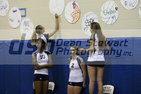 Holy Trinity Girls Volleyball
