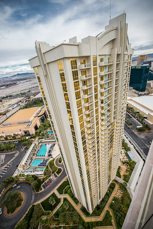 The-Signature-at-MGM Grand-Penthouse-Nevada-photo-by-Gabe-DeWitt-1