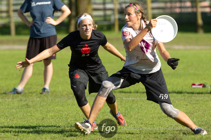 Russia Cosmic Girls v USA Riot in Women's Division first round game on Monday at WFDF 2014 World Ultimnate Club Chamnpionships in Lecco, Italy