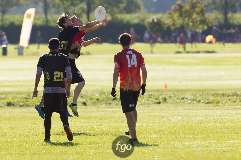 USA Drag'n Thrust v Spain Corocotta at WFDF 2014 World Ultimate Club Championships in Lecco, Italy