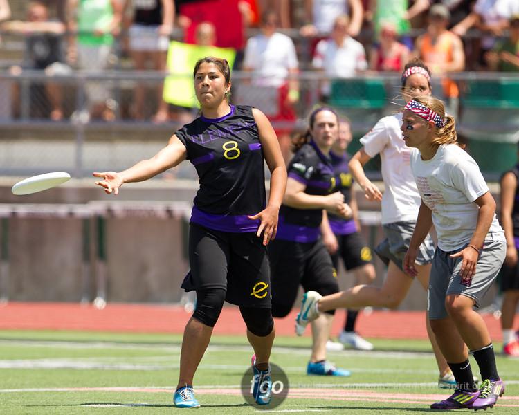 USA Ultimate D1 College Championships in Mason, Ohio - Semi-finals Women's Division - Washington Element v Ohio State Fever