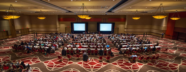 Presenting Data and Information: a one-day course taught by Edward Tufte.