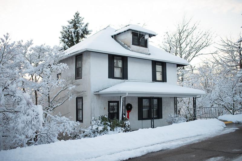 Snow Walk_Morgantown_West Virginia_photo by Gabe DeWitt_March 06, 2015-30