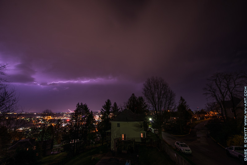 Lightning_Morgantown_WV_photo_by_Gabe DeWitt_April 09, 2015_10