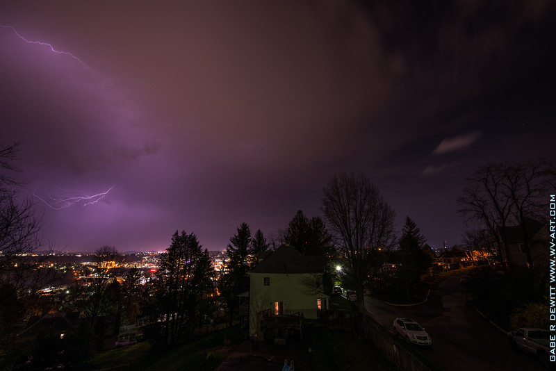 Lightning_Morgantown_WV_photo_by_Gabe DeWitt_April 09, 2015_8