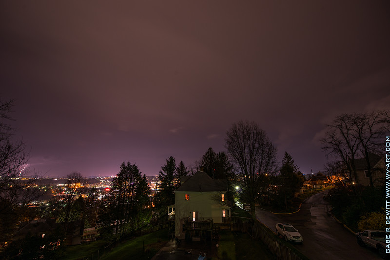 Lightning_Morgantown_WV_photo_by_Gabe DeWitt_April 09, 2015_3