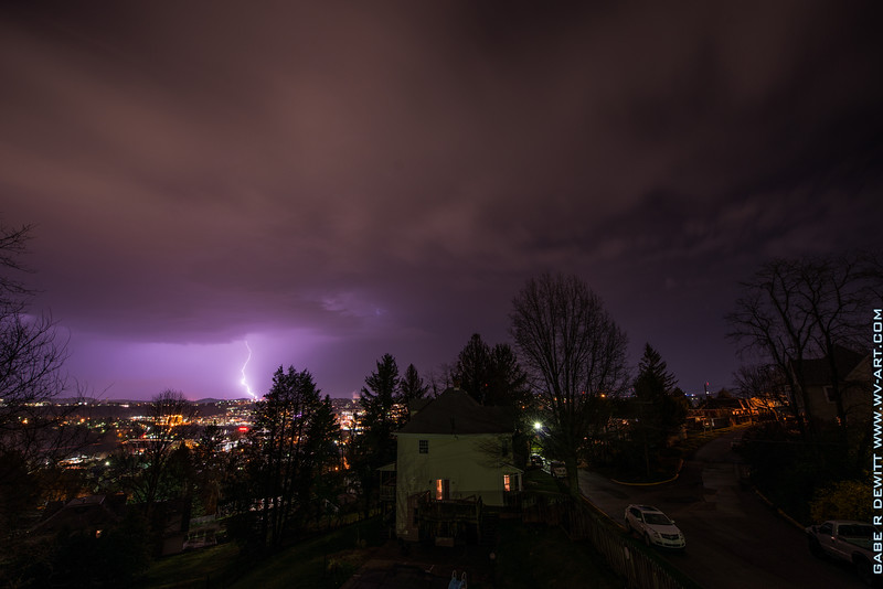 Lightning_Morgantown_WV_photo_by_Gabe DeWitt_April 09, 2015_17