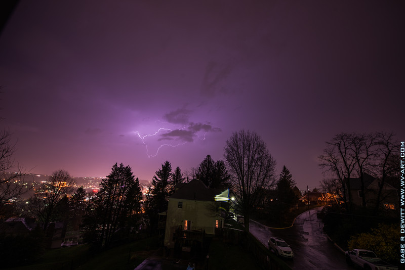 Lightning_Morgantown_WV_photo_by_Gabe DeWitt_April 10, 2015_20