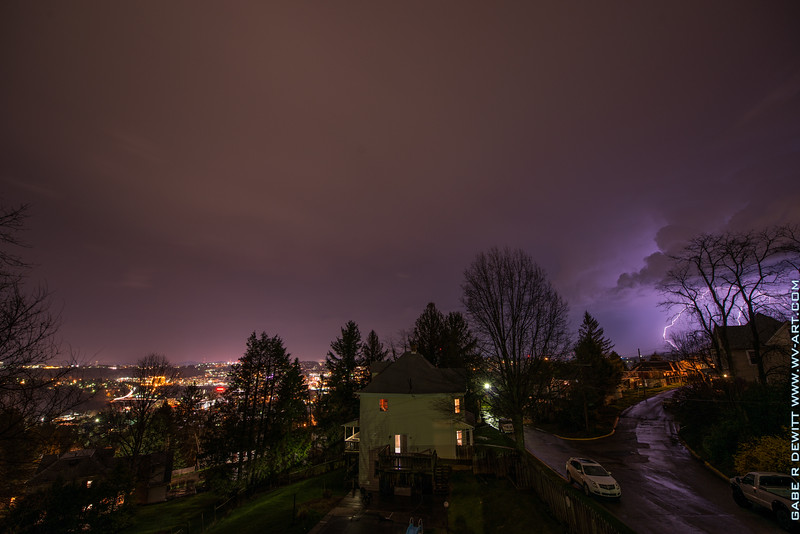 Lightning_Morgantown_WV_photo_by_Gabe DeWitt_April 09, 2015_2