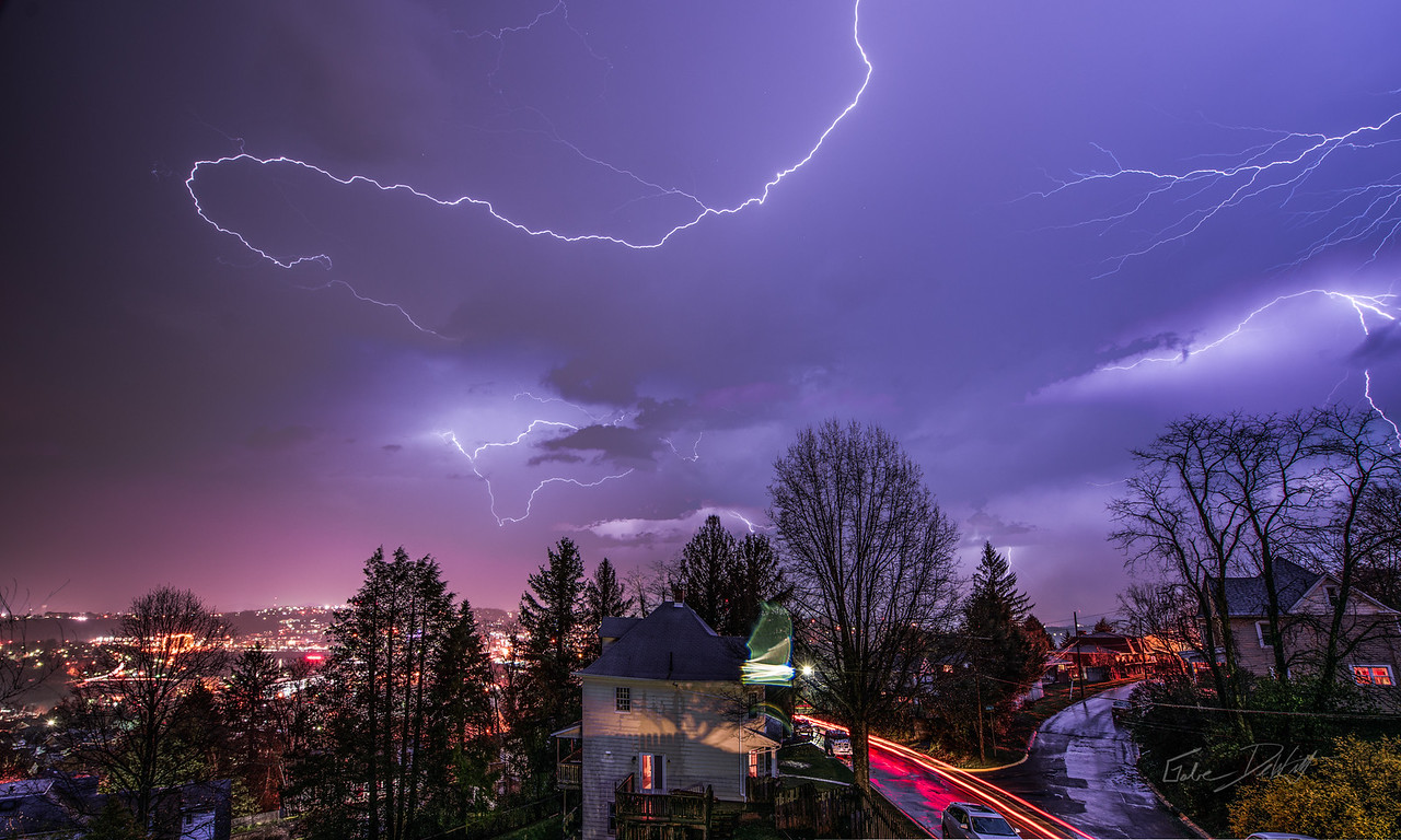 Lightning; Morgantown; photo; Gabe; DeWitt; April; 2015; Gabe DeWitt night and low light