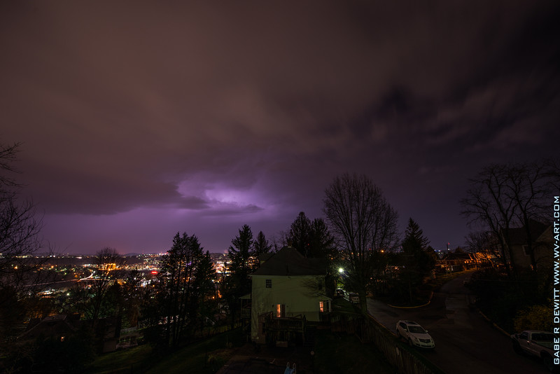 Lightning_Morgantown_WV_photo_by_Gabe DeWitt_April 09, 2015_16