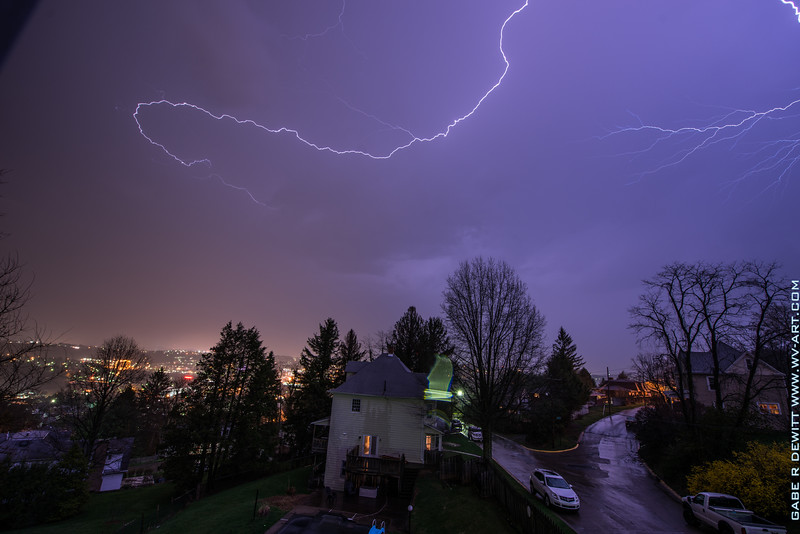 Lightning_Morgantown_WV_photo_by_Gabe DeWitt_April 10, 2015_19