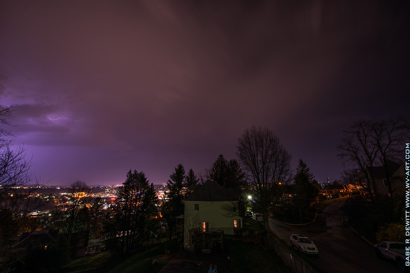 Lightning_Morgantown_WV_photo_by_Gabe DeWitt_April 09, 2015_11