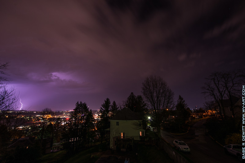 Lightning_Morgantown_WV_photo_by_Gabe DeWitt_April 09, 2015_14