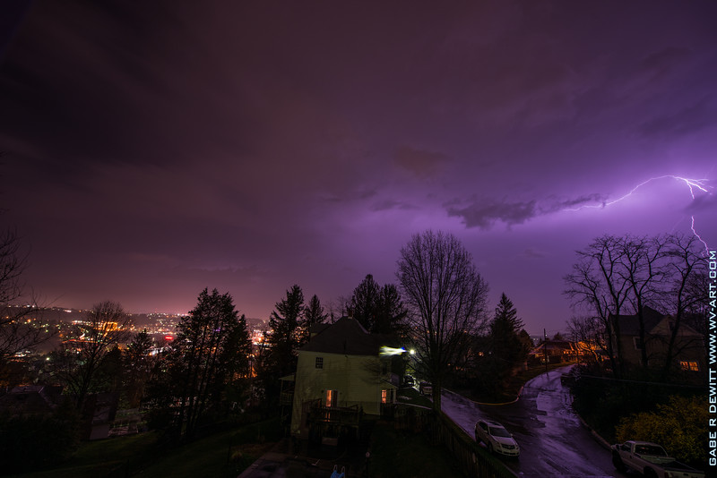 Lightning_Morgantown_WV_photo_by_Gabe DeWitt_April 10, 2015_21