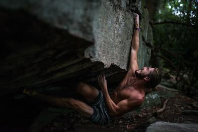 Dylan-Jones-Bouldering-Coopers-Rock-WV_August_25_2015_78-2