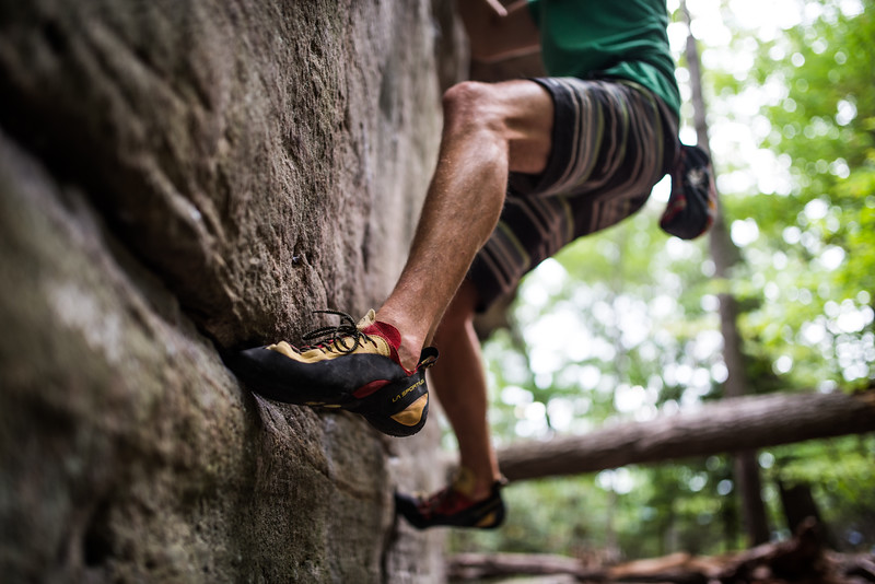 Dylan-Jones-Bouldering-Coopers-Rock-WV_August_25_2015_12-3