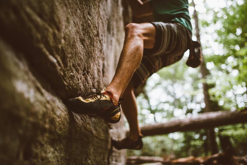 Dylan-Jones-Bouldering-Coopers-Rock-WV_August_25_2015_12-2