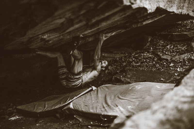Dylan-Jones-Bouldering-Coopers-Rock-WV_August_25_2015_40