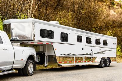 2017 Trails West Sierra GN 3 Horse Trailer-17
