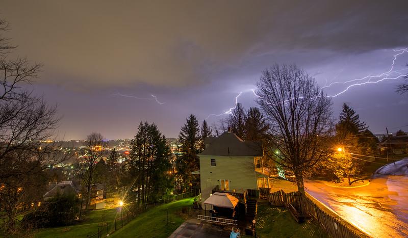 Lightning-over-Morgantown-WV-2016-4