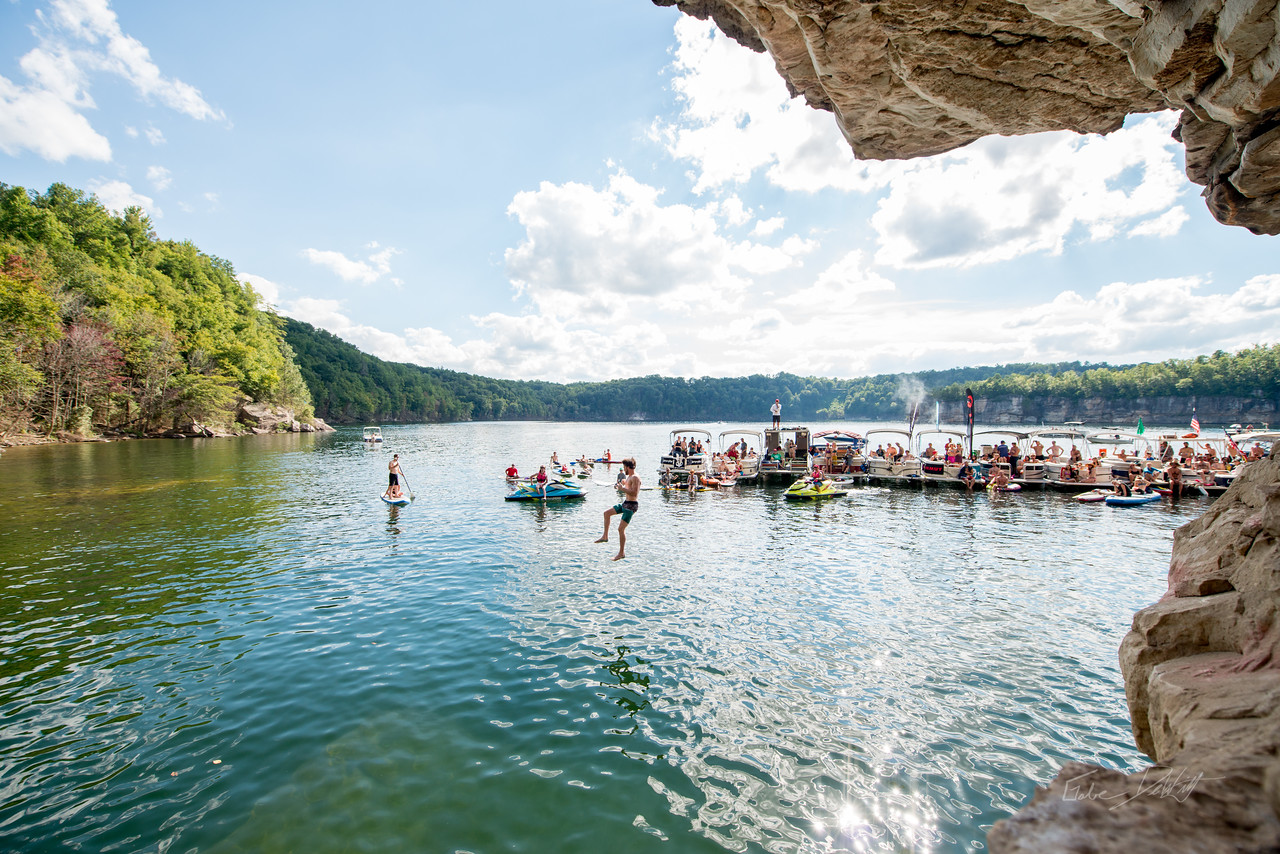 Deep; Water; Soloing; PSICOBLOC; 2016; Summersville; Lake; West; Virginia; Photo; Gabe; DeWitt; 2246; DWS; Deep Water Soloing; Deepwater soloing; Jimmy Webb; PSICOROC; Places; Psicocomp; Roks; Sand Stone; Summer; WV; West Virginia; climbing; photo by Gabe DeWitt; summersville lake