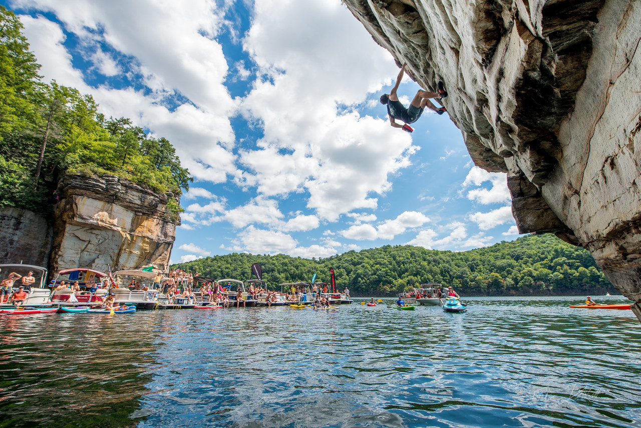 Deep; Water; Soloing; PSICOBLOC; 2016; Summersville; Lake; West; Virginia; Photo; Gabe; DeWitt; 944; DWS; Deep Water Soloing; Deepwater soloing; Jesse Grupper; PSICOROC; Places; Psicocomp; Roks; Sand Stone; Summer; WV; West Virginia; climbing; photo by Gabe DeWitt; summersville lake