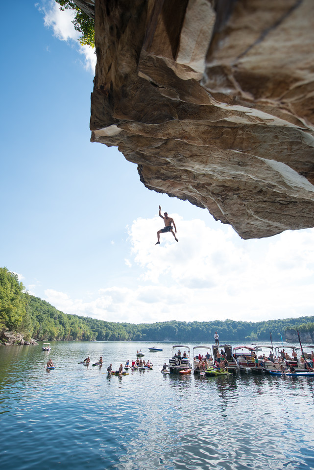 Deep; Water; Soloing; PSICOBLOC; 2016; Summersville; Lake; West; Virginia; Photo; Gabe; DeWitt; 2305; DWS; Deep Water Soloing; Deepwater soloing; PSICOROC; Places; Psicocomp; Roks; Sand Stone; Summer; WV; West Virginia; climbing; photo by Gabe DeWitt; summersville lake